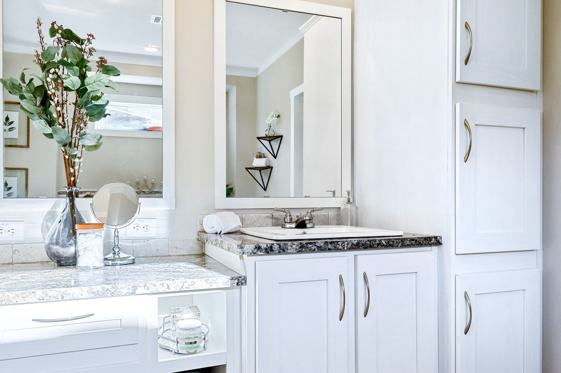 The THE TAHOE Master Bathroom. This Manufactured Mobile Home features 3 bedrooms and 2 baths.